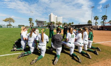 ndsu-softball-huddle-before-game